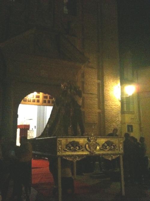 Ensayo de la salida de la Virgen de la Paz, en la iglesia de las Bernardas